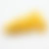 1 pompon- gland etoile - simili cuir - jaune