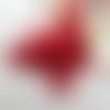 1 pendentif - plume naturelle teintée - rouge - embout argenté