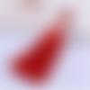1 pompon soie - perle - rouge - mousqueton - 11 cm