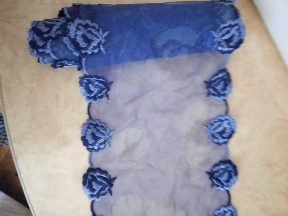 1.30 metre Galon dentelle sur mousseline bleu de 17 cm de largeur