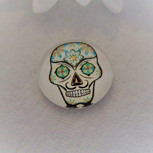 Cabochon en verre rond de 25 mm / 2.5 cm thème calavera, tête de mort, halloween, multicolore et blanc