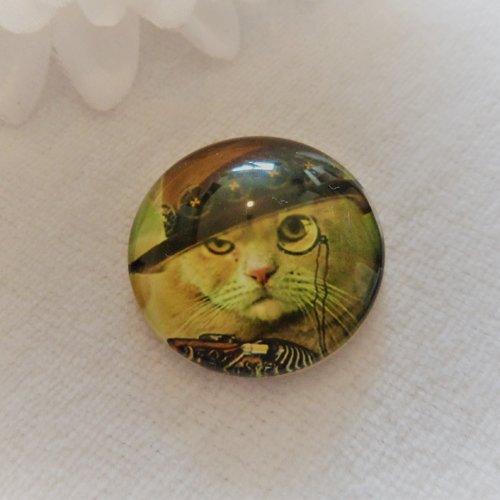 Cabochon en verre rond de 25 mm / 2.5 cm thème steampunk, punk, vintage: chat à chapeau marron et monocle, chat botté