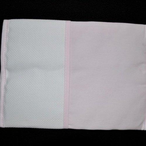 Protège carnet de santé rose pâle broder