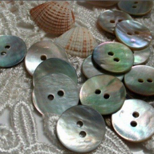 Lot de 10 boutons en nacre de 10 mm de diamètre