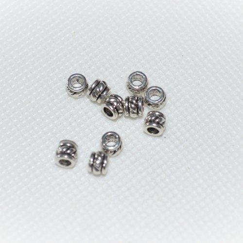 Lot de 40 intercalaires pour perles argenté