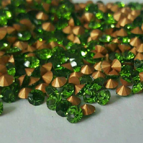 500 strass en verre facetté vert olivine ss12 pp24 3mm fond conique à facette t4