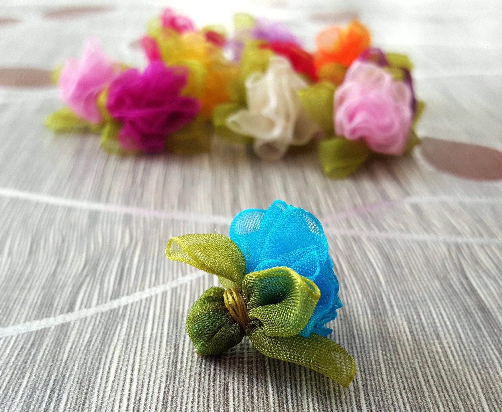 1 Perles 22x30mm Fleur Rose en Tissus Organza Turquoise