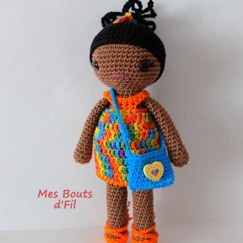 Lila, la jolie poupée au crochet