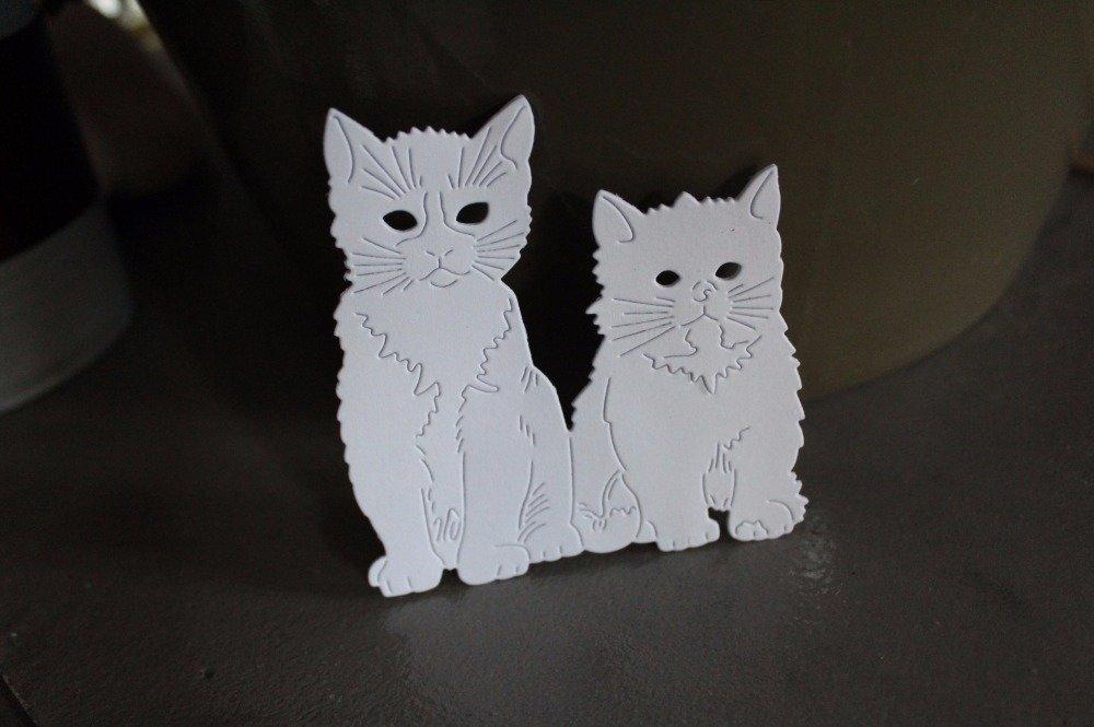 N/P 848 : Découpe papier chat et chaton thème animaux/compagnie/ferme coloris blanc