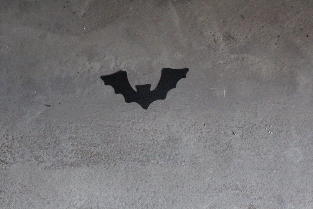 NP / 2119 - HALLOWEEN : Découpe papier chauve souris coloris noir