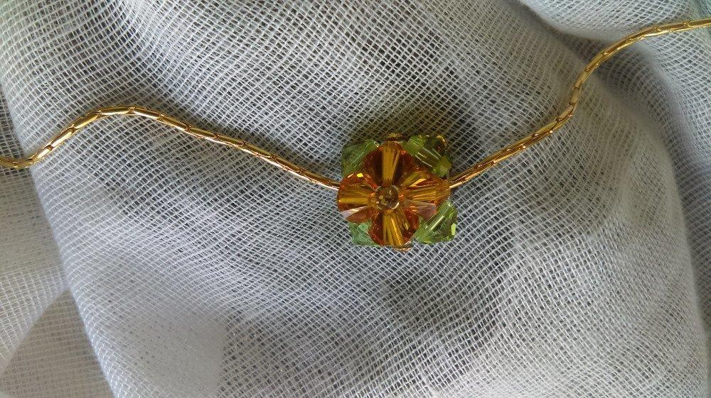 Collier chaine dorée avec pendentif en perles et strass swarovski vert-marron