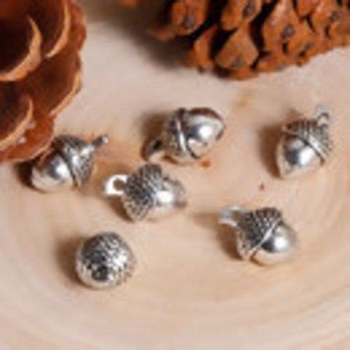 X 5 breloques pendentifs gland de chêne métal argent vieilli 14mm x 10mm