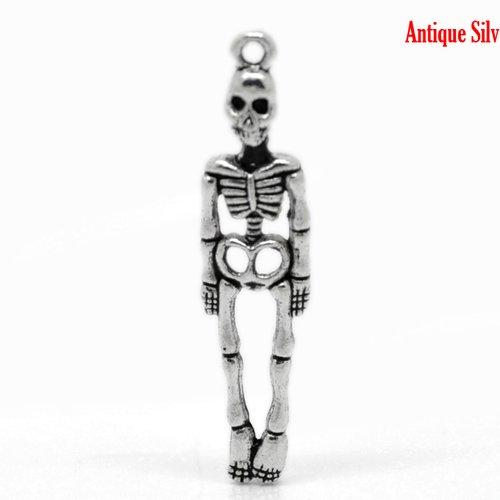 X 5 breloques metal argent vieilli squelette 39mmx9mm