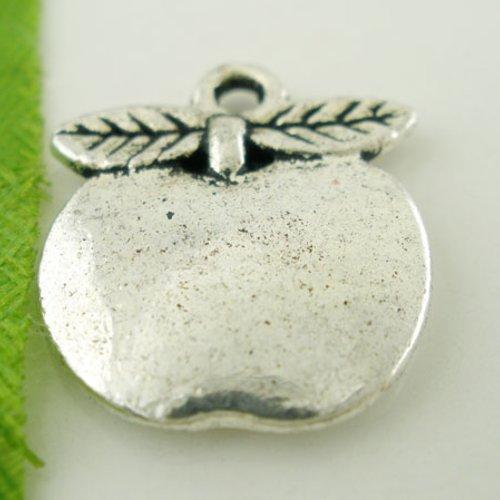X 5 breloques metal pomme argent vieilli 17mm x 15mm