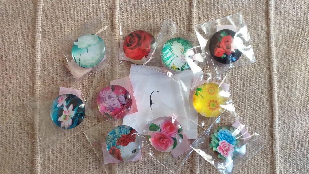 6 lots cabochons fleurs 20mm differents sur cette fiche..cliquez pour les voir ;)