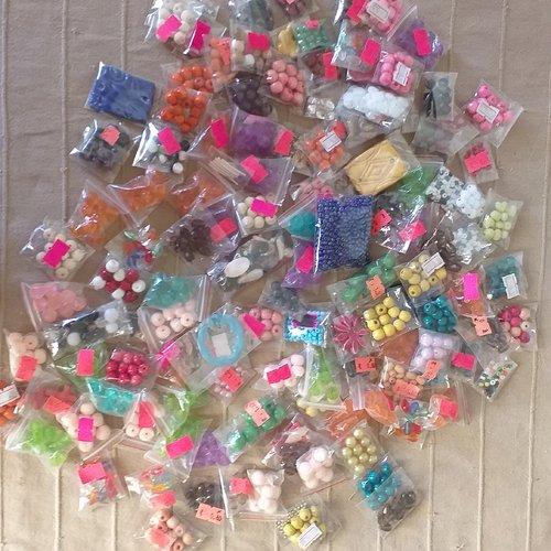 Super maxi gros lot de perles en tout genre