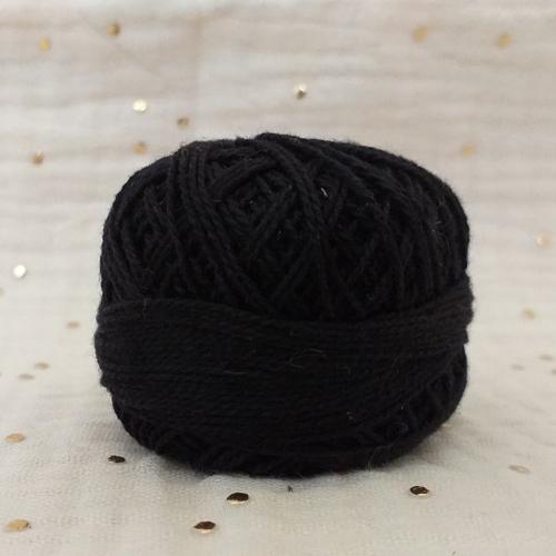 Fil coton noir (pelote 95 mètres 10gr)