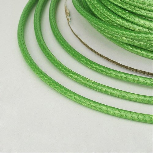 (x 5 mètres) cordon ciré polyester coréen 2mm vert