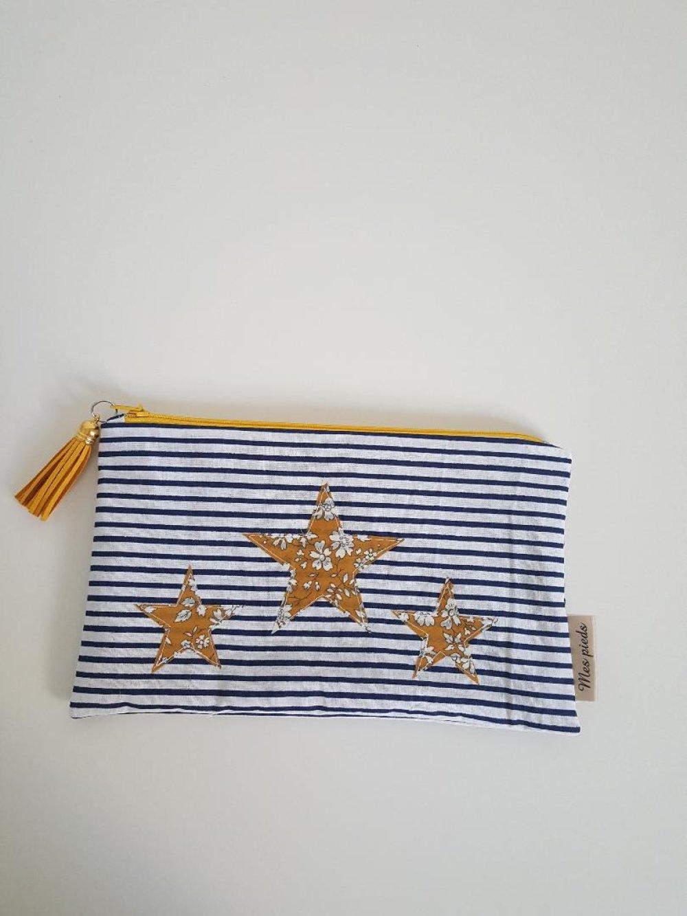 trousse motif marinière et étoiles en liberty capel moutarde