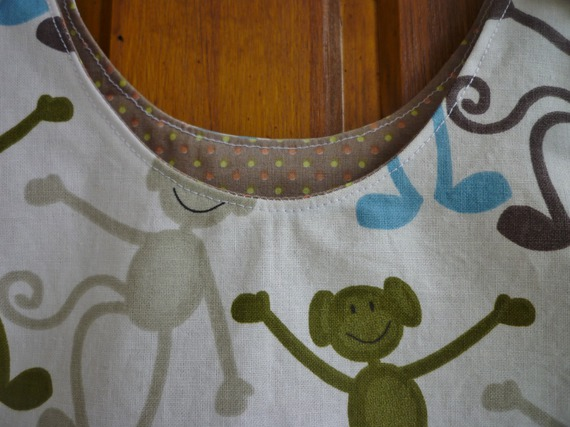 Robe enfant blanche motifs singes, forme trapèze, à bretelles, taille 4 ans