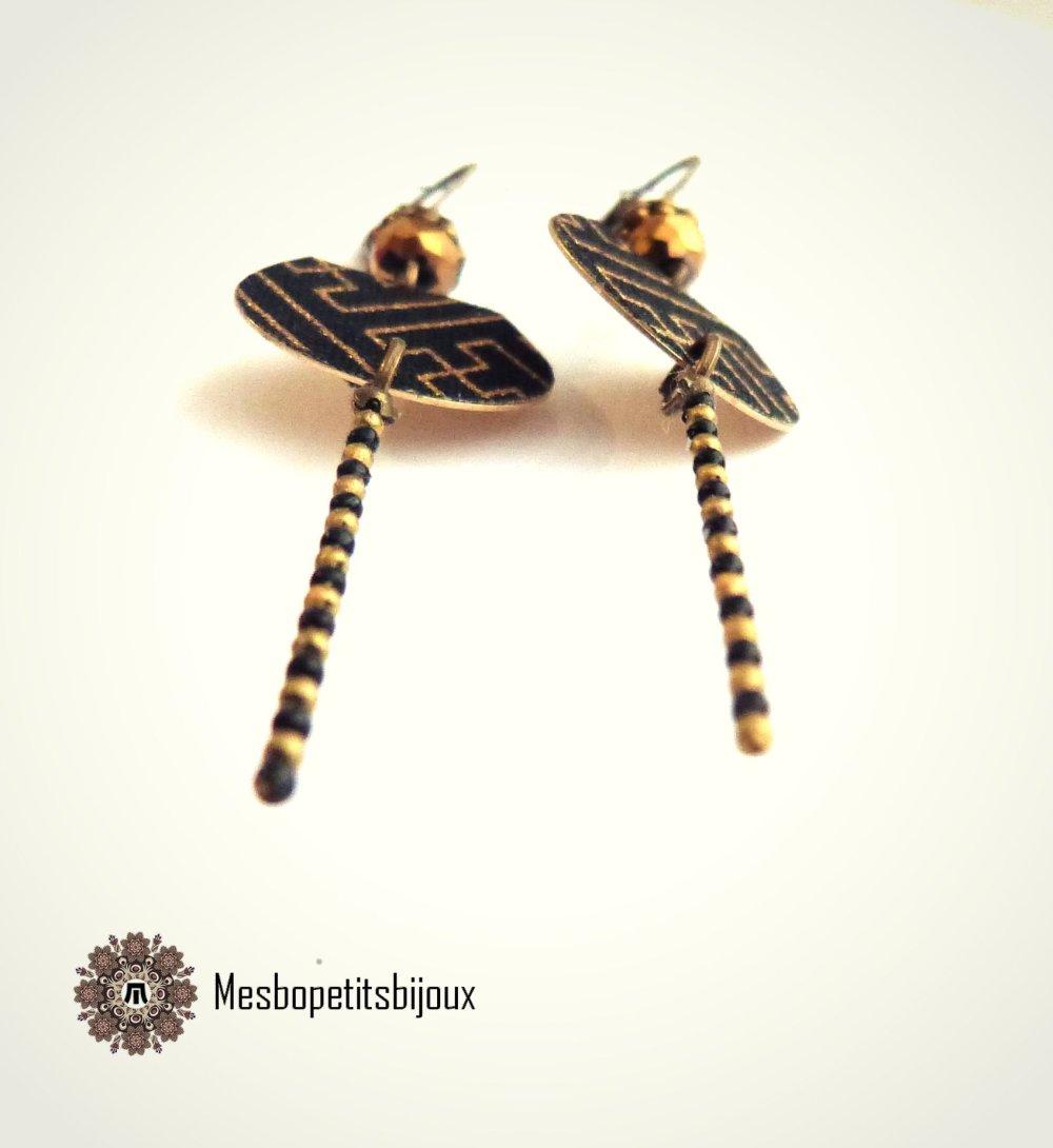 boucles d'oreilles japonisantes,boucles élégantes en Tissu Japonais Sayagata doré fond noir, bijoux noël, pièce artisanale légère,