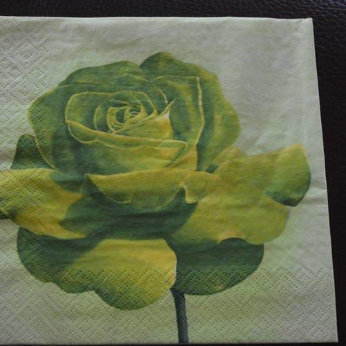 tres jolie serviette en papier rose verte pas de frais d envoi un grand marche eur