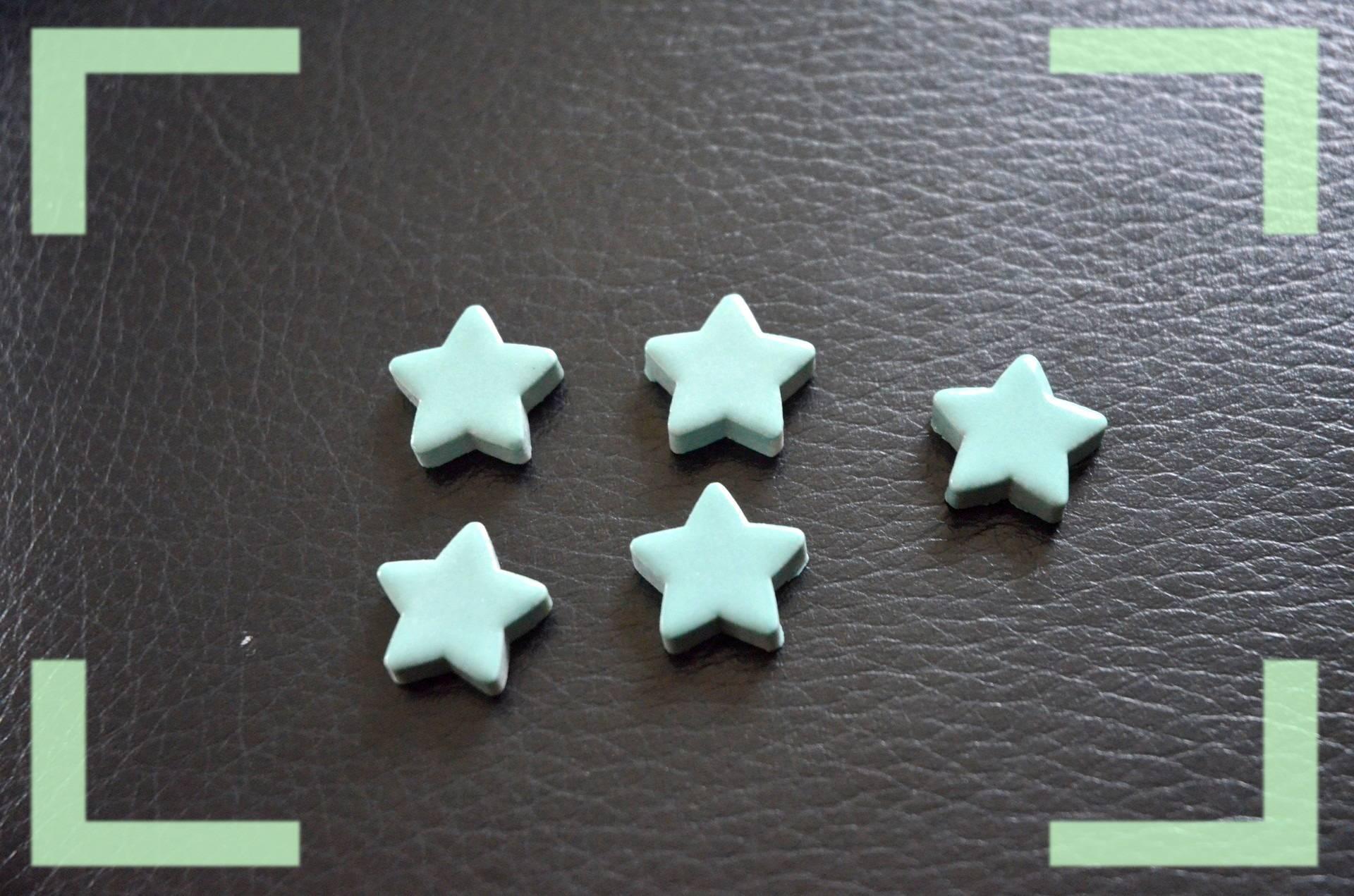 lot de cinq étoiles céramique vert pâle