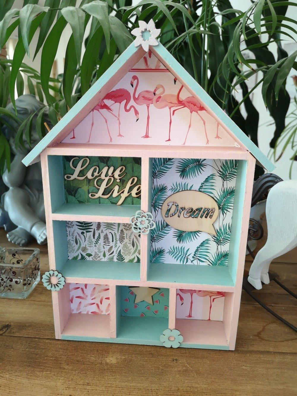 Vendu-Décoration murale/maison en bois/étagères