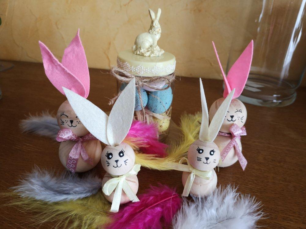"""Décoration de Pâques """"ensemble de lapins et leur bocal"""""""