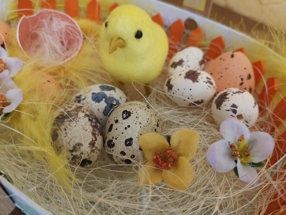 Décoration de Pâques, panier à œufs