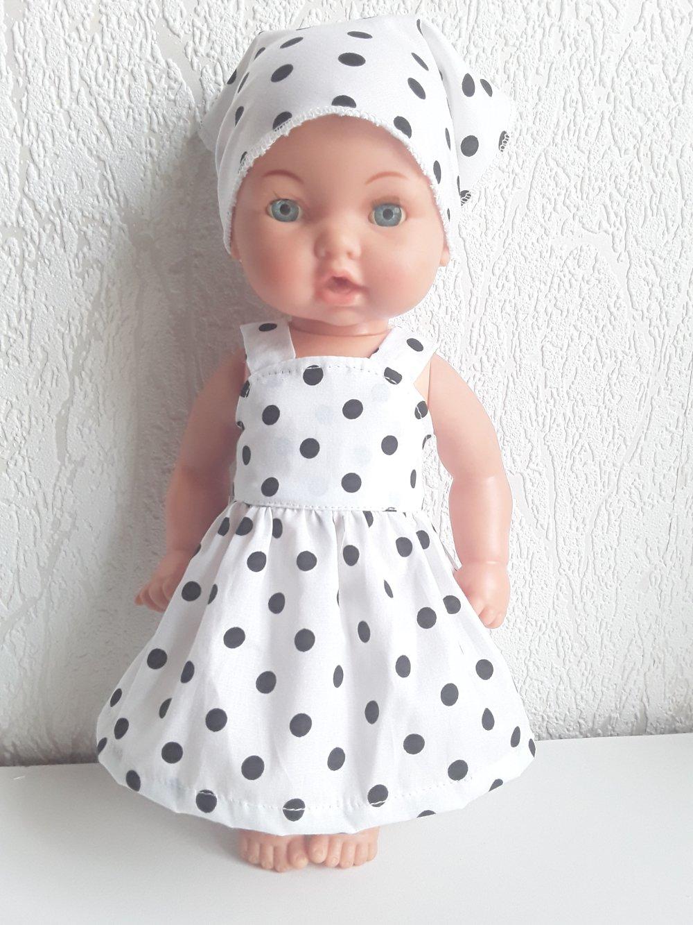 Habits poupée 30 cm robe et turban a petits pois .
