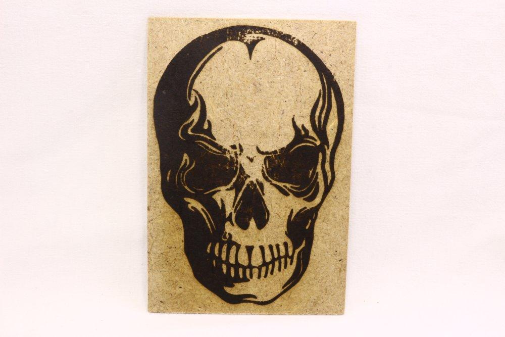 Carte postale, tête de mort