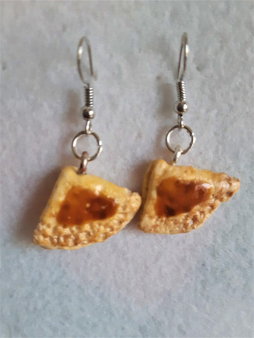 Boucle d'oreille crêpe nappée au caramel