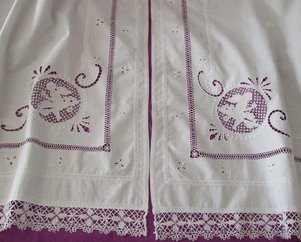 Paire de Rideaux en Coton Ancien Blanc, Jours et broderies floraless