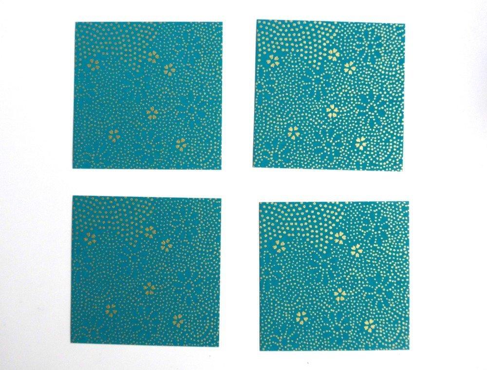 Boucles d'oreilles rondes, au motif de fleurs et points dorés sur fond vert turquoise, de style japonais (papier origami).