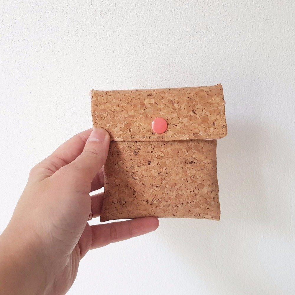 Pochette en liège et tissu rose