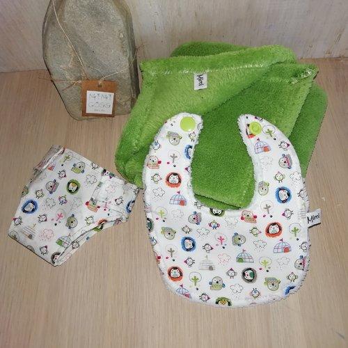 Lot couche,bavoir et couverture en tissu pour poupée/poupon/baigneur. jouer pour enfant.