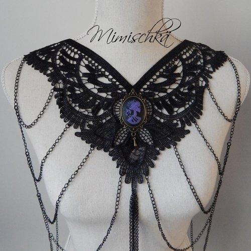 Collier dentelle noire gothique camée femme squelette