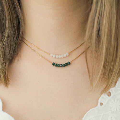 Collier fin, minimaliste, avec perles de jade et chaine en acier inoxydable doré