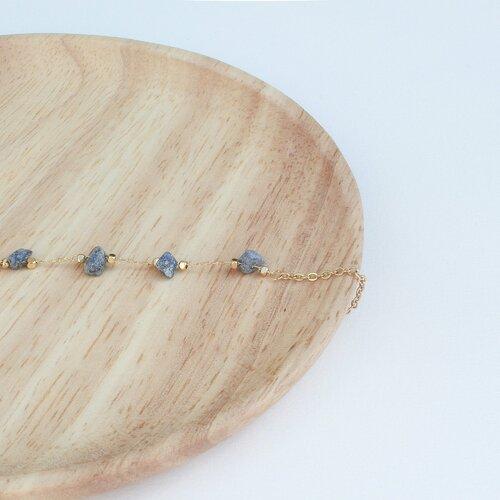 Bracelet en pierre naturelle lapis lazuli et chaine dorée