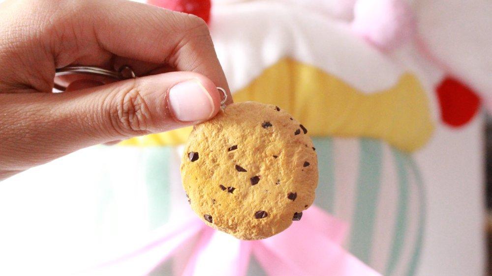 Porte clef cookie pépite au  chocolat en fimo