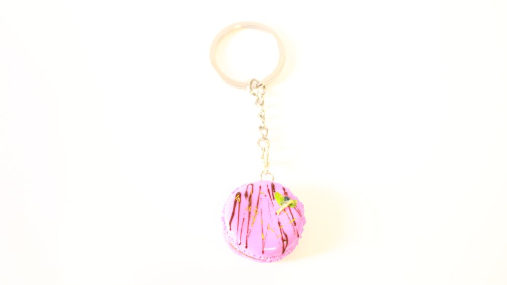 Porte clés Macaron framboise a la myrtille