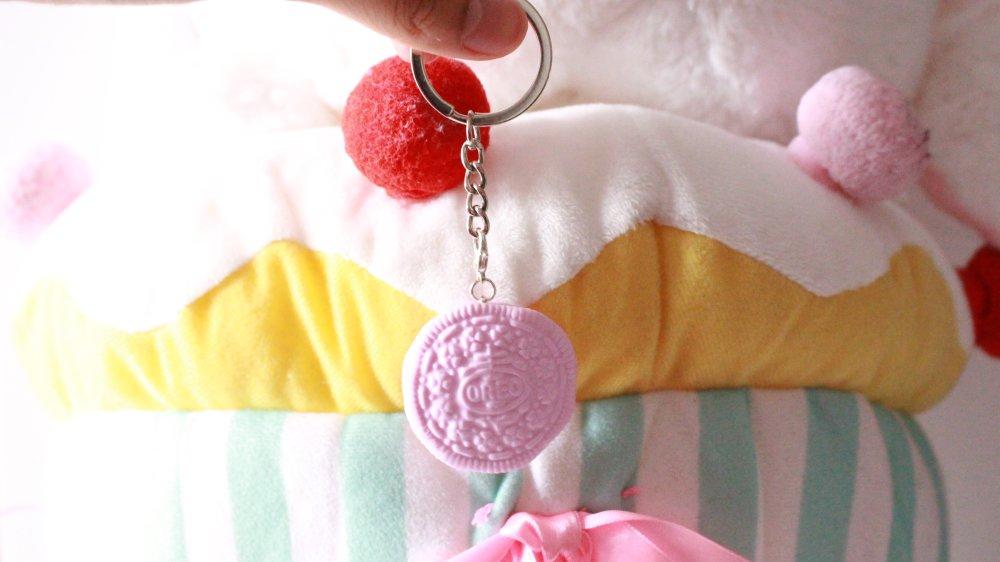 Porte clés Oreo rose pastel en fimo