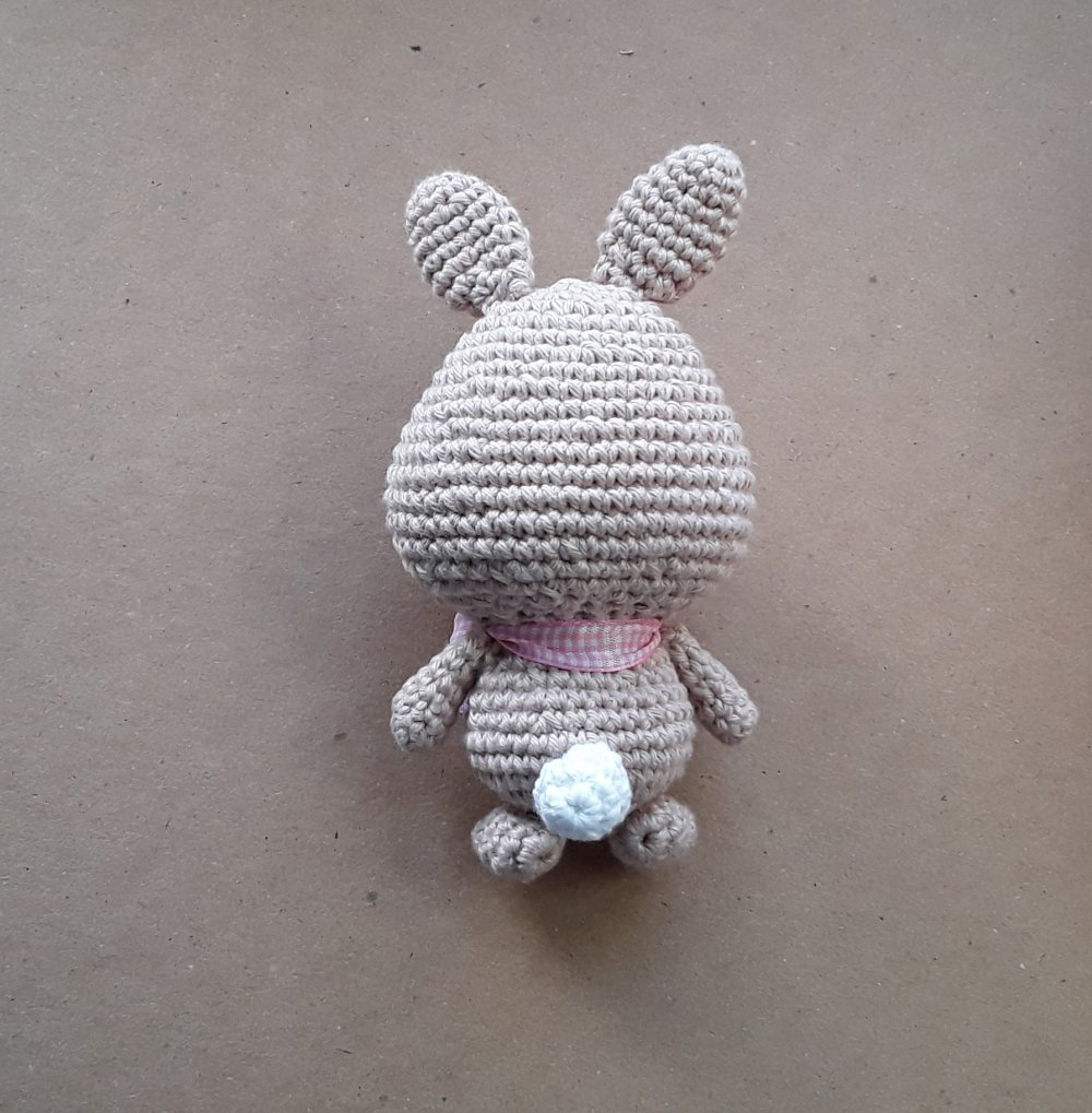 Decoration lapin de Pâques au crochet