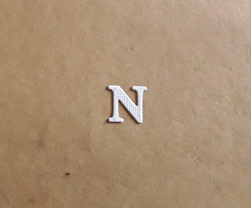 Découpe lettre majuscule alphabet en papier, lettre N,  1,7 cm