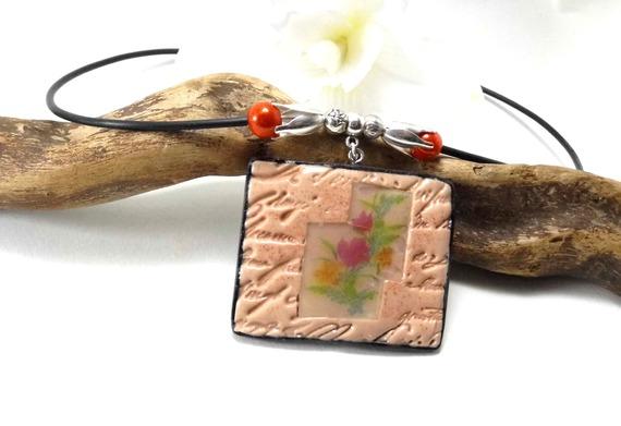 collier avec pendentif rectangle en pâte polymère