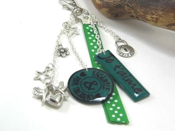 """bijoux de sac vert """"je t'aime"""" et """"ensemble pour toujours"""" en pâte polymère"""