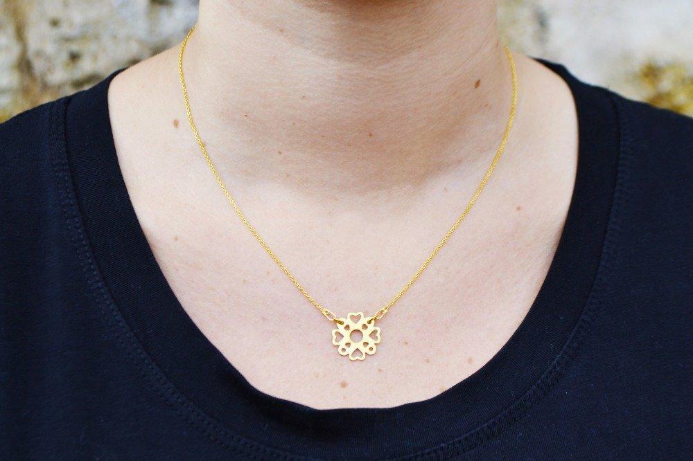 """Collier argent plaqué or jaune 24 K """" Fleur ajourée """""""