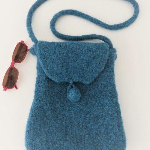 Sac bandoulière tricoté puis feutré, sac à main