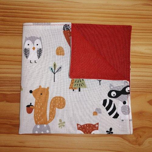 Serviette de table enfants doublée en tissu oeko-tex, fond beige et renards